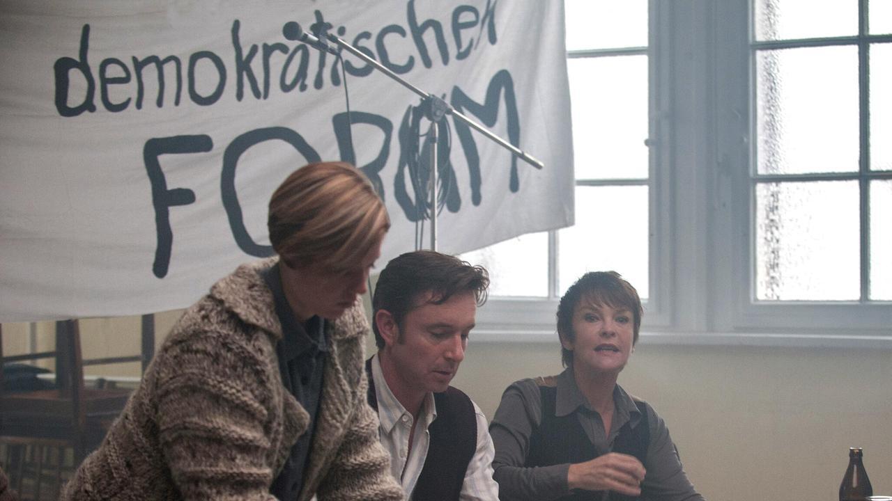 Katrin Sass als Dunja Hausmann beim »Demokratischen FORUM«, courtesy Das Erste